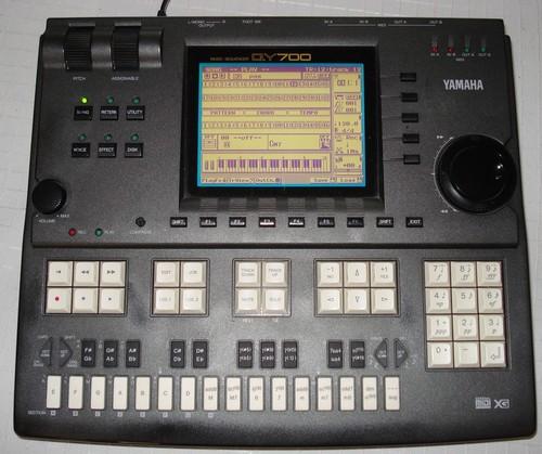 QY700 Yamaha